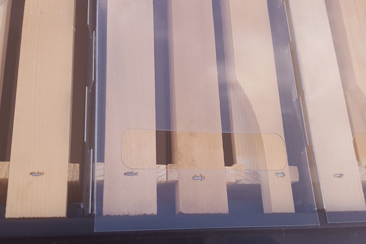 QUADRI-HIVE, pilns komplekts. Māšu apsēklošanās strops uz 12 MiniPlus rāmjiem